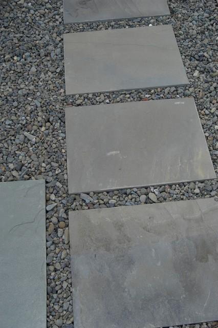 Large Bluestone Stepping Stones Traditional Landscape