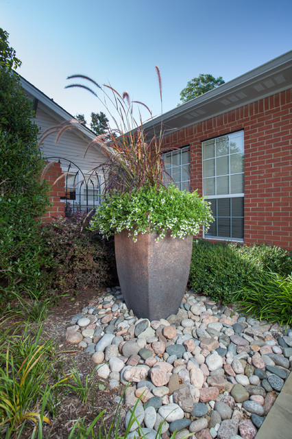 Landscaping With Large Planters : Large planters with river rock traditional landscape