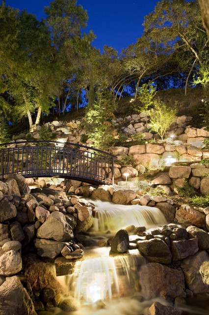 Large Waterfeature traditional-landscape