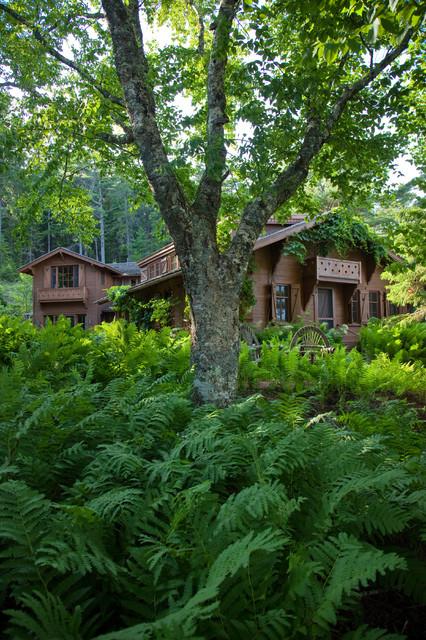 Le Petit Chalet rustic-landscape