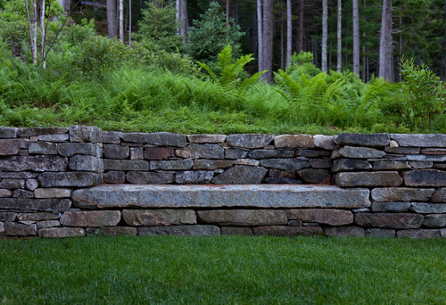 stone walls a stone bench or stone seat home tips for. Black Bedroom Furniture Sets. Home Design Ideas