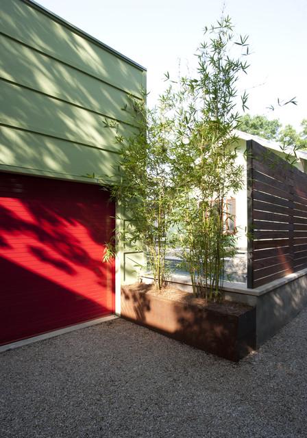 Leasure Residence contemporary-landscape