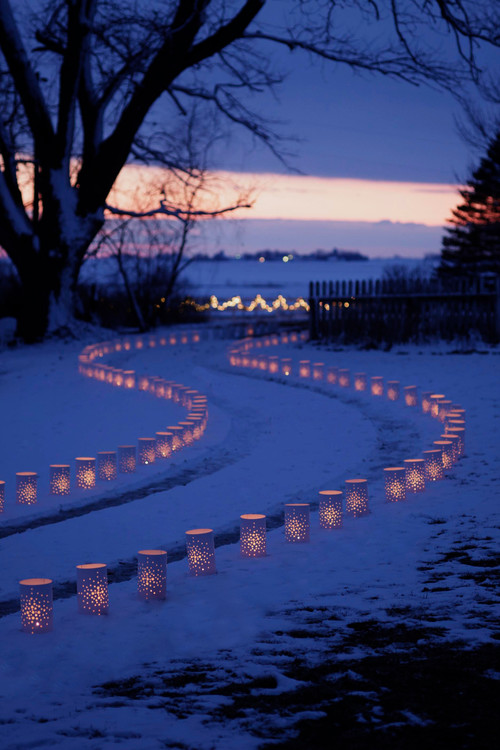 Lighted Luminary Driveway
