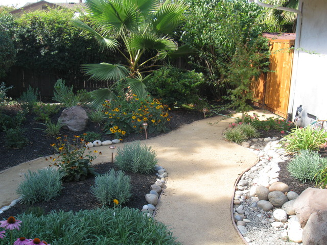Low maintenance front yard landscaping photos pdf for Best low maintenance landscaping