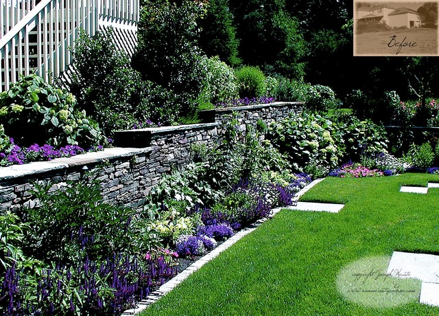 Living Stone Wall & Plantings traditional-landscape