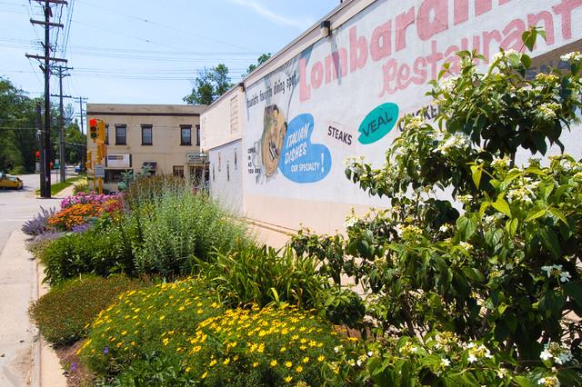 Backyard Enclosures Lombard : Lombardinos Restaurant Street Garden traditionallandscape