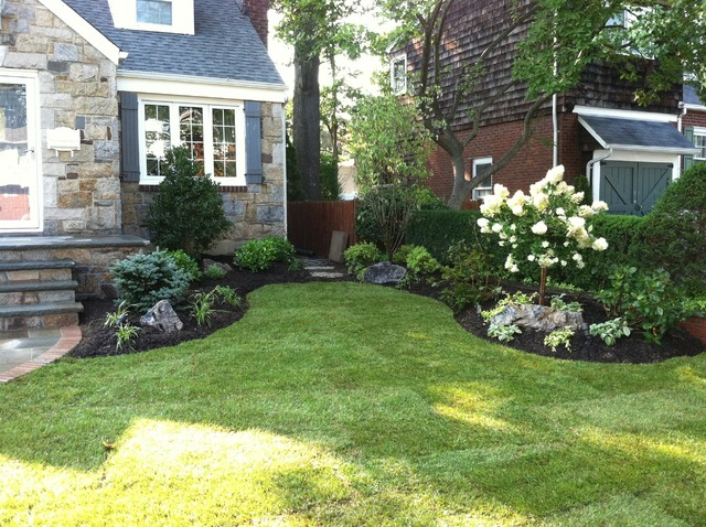 Long island landscape design traditional landscape for Front landscape design plans