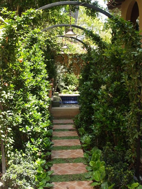 Los angeles residence mediterranean landscape los for Garden design los angeles