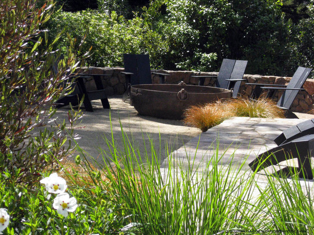 Low Maintenance Contemporary Garden With Fire Pit