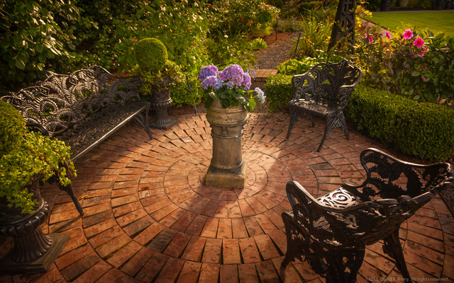 Lush english garden traditional seattle by terra design for British landscape architects