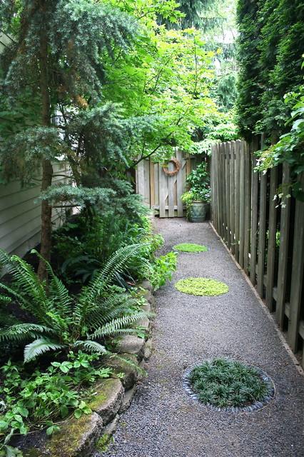 Lush Suburban Retreat Traditional Landscape Portland