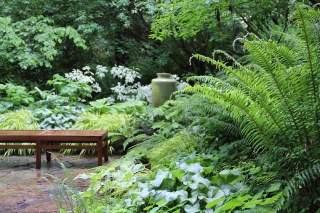Lytle Road, Bainbridge Island   Shaded Creek Traditional Landscape