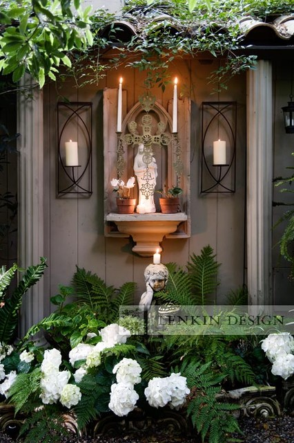Madonna garden with altar traditional landscape los for Garden grotto designs