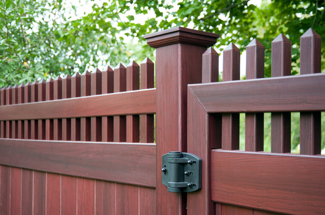 Mahogany Wood Grain Pvc Vinyl Privacy Fence From Illusions