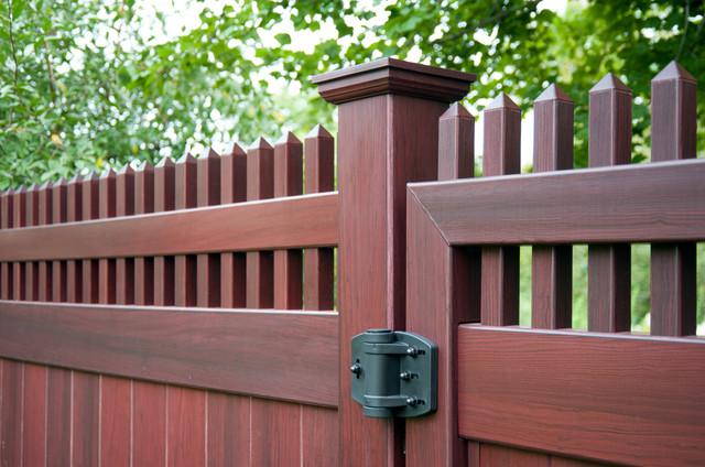 Mahogany Wood Grain Pvc Vinyl Privacy Fence From Illusions