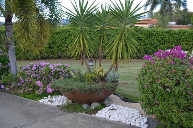 Main Entrance FP Residence tropical-landscape