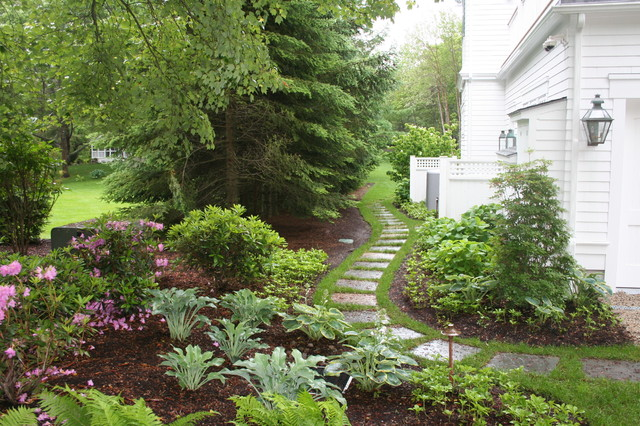 traditional landscape by Woodburn & Company Landscape Architecture, LLC