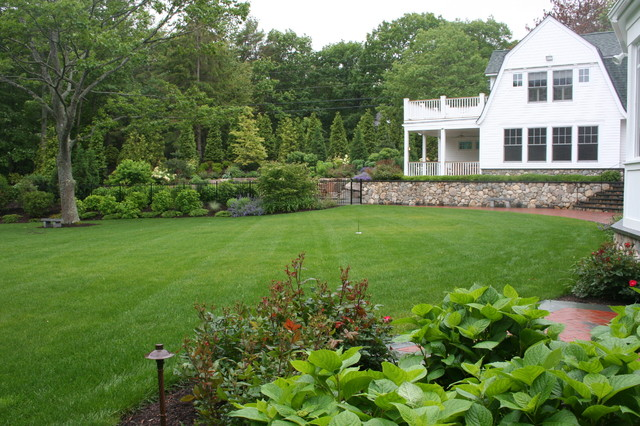 Design Ideas For A Huge Traditional Backyard Landscaping In Manchester.