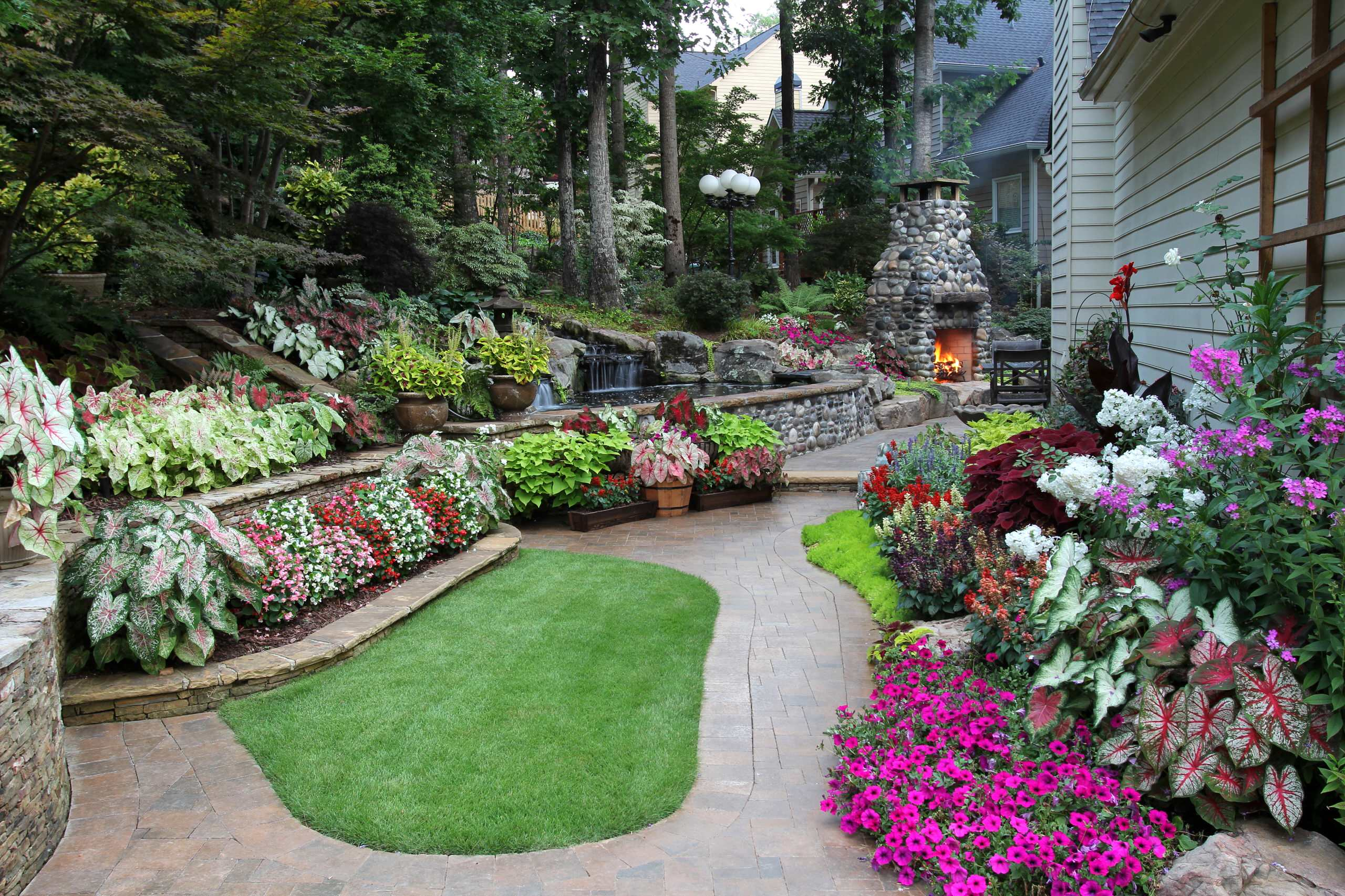 Image of: 75 Beautiful Backyard Flower Bed Pictures Ideas November 2020 Houzz