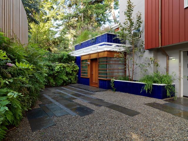 Marrying Elegant Design & Sustainability contemporary-landscape