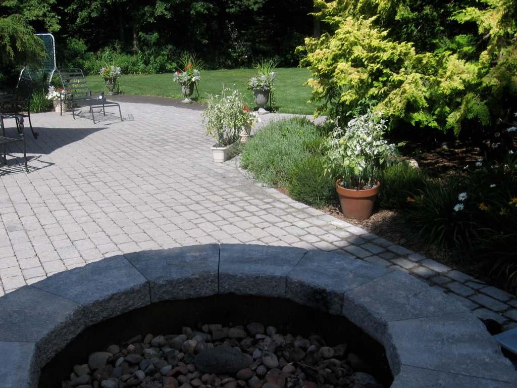 Masonry Designer of Fire Pits, Patios, Walks & Porches