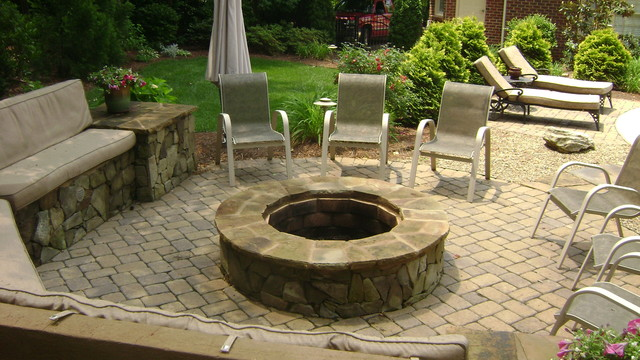 Matthews nc fire pit traditional landscape for Landscaping rocks charlotte nc