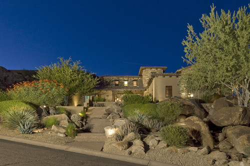 Top 5 front yard landscaping ideas for tucson sod lawns for Landscaping rocks tucson