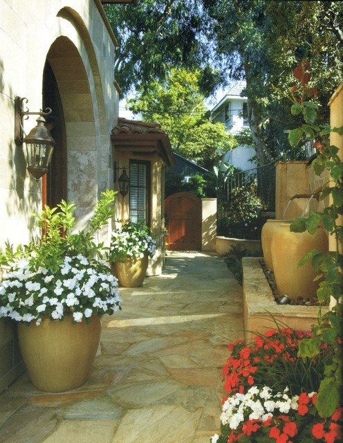 Mediterranean landscape for Very small courtyard ideas