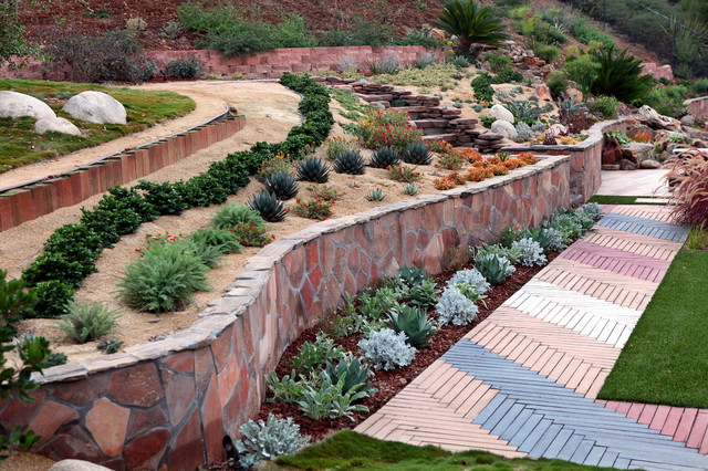 Slope lanscape and garden ideas mediterranean for Sloping garden design ideas