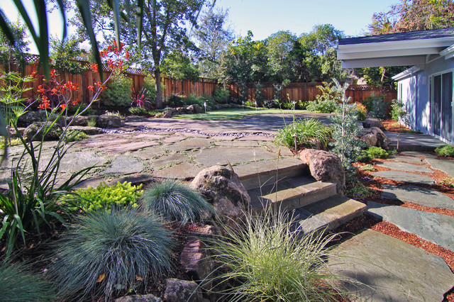 "Menlo Park Residence :: CLCA Award Winner ""Best Landscape in CA Under $150K contemporary-landscape"