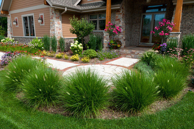 Casual Craftsman traditional landscape