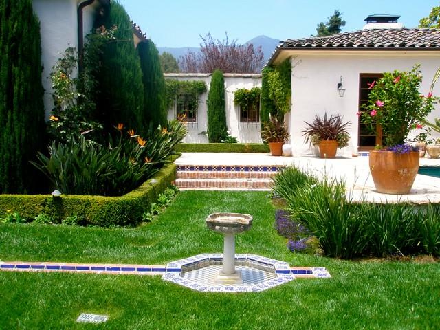 Mesa road mediterranean landscape santa barbara by for Mesa landscape architects