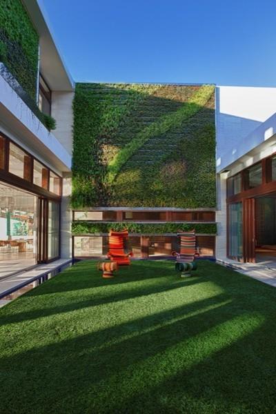 MIAMI'S MOST EXPENSIVE MODERN ARCHITECTURE modern-landscape