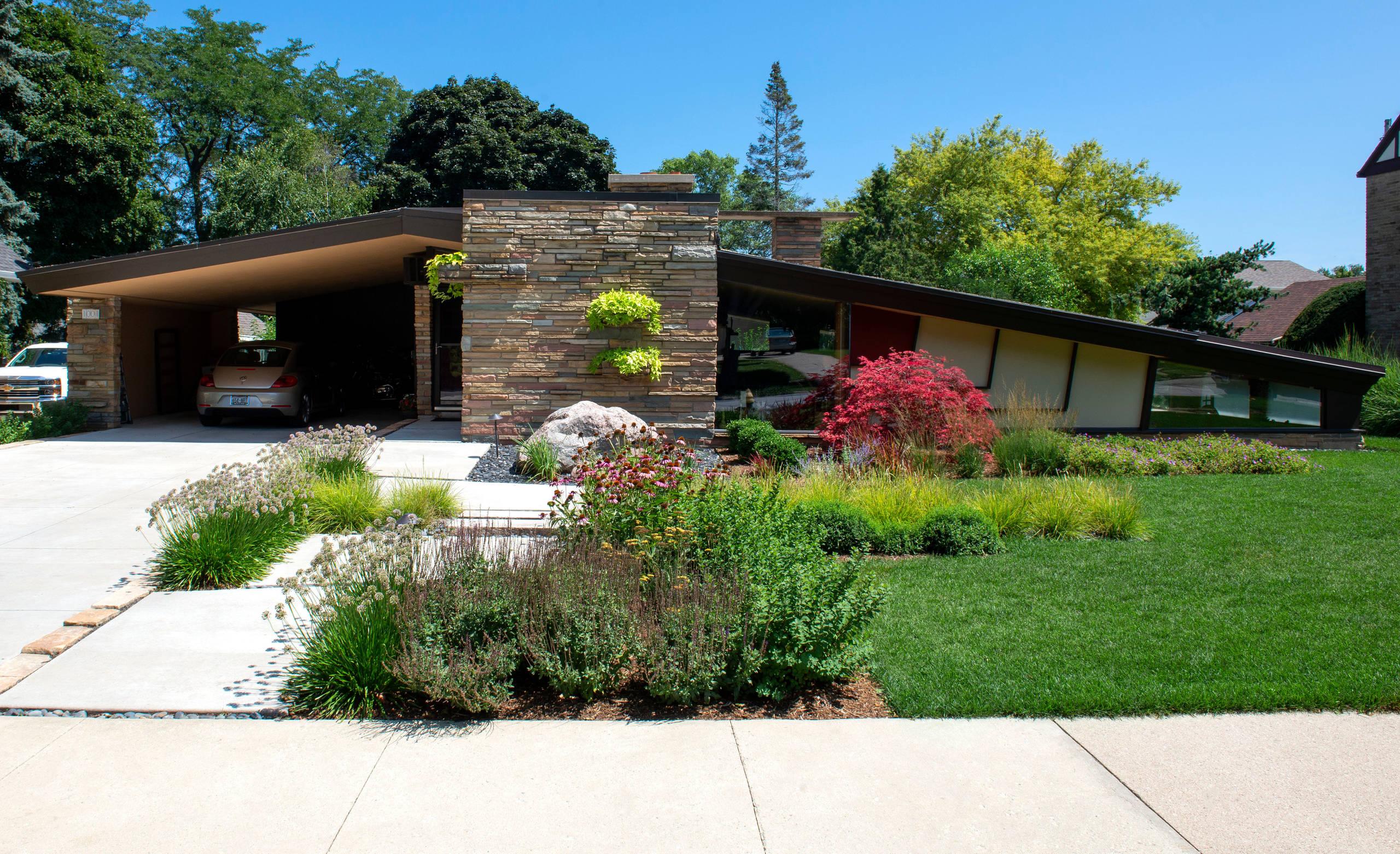 Mid century Front Landscape - Racine