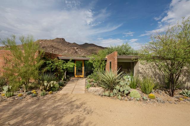 Architect S Modern Desert Home Showcases The Natural Landscape