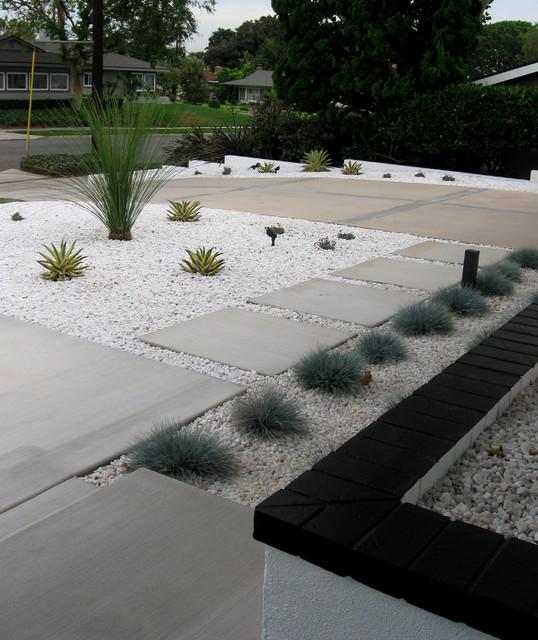 Modern Atlanta Landscape Design: Mid Century Modern Front