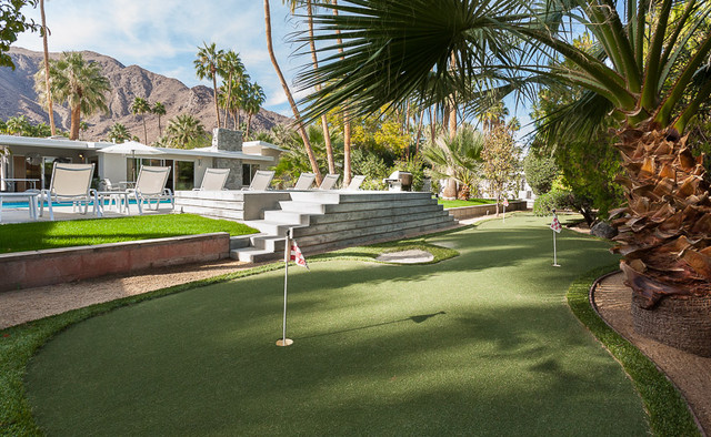 Mid century modern home in palm springs midcentury for Palm springs landscape design