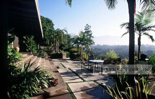 Mid Century Modern Patio Landscape