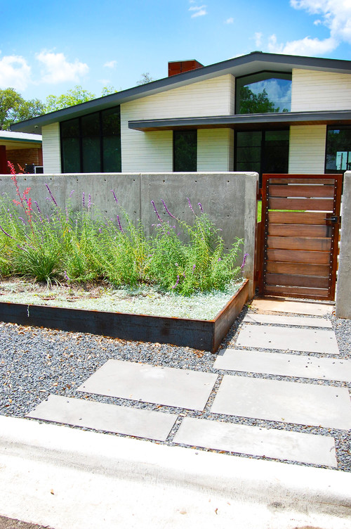 Modern Front Yard Landscaping Ideas Part - 35: 2. Incorporate Metal