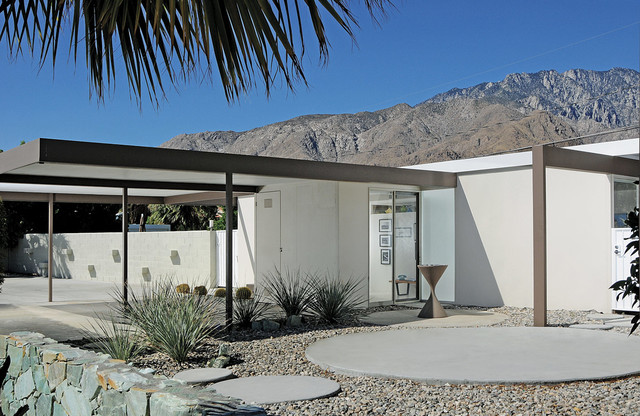 This Is An Example Of A Midcentury Modern Landscaping In Los Angeles