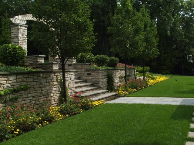 Milieu Design traditional-landscape