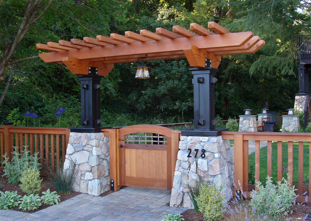 Mill Valley Craftsman entry arbor craftsman-landscape