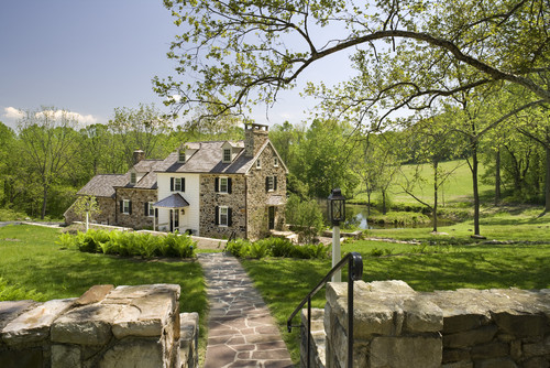 {Weekend Dreaming} A Stone Farmhouse