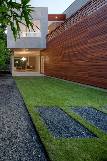 Minimal landscape design modern landscape houston for Exterior design landscaping