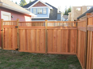 Mission Craftsman - Traditional - Landscape - Vancouver - by Quality Custom Cedar Fencing