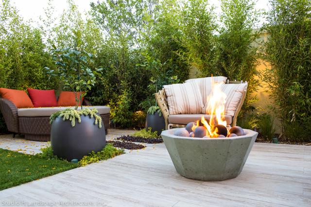 Modern Backyard Conversation Lounging Area