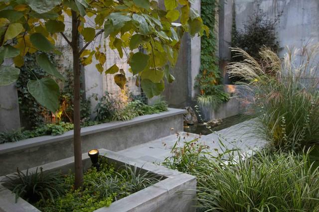 Grun Trifft Grau Tipps Und Ideen Fur Beton Im Garten