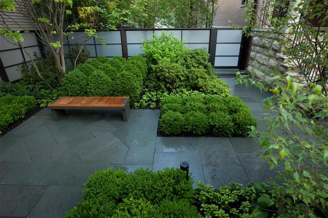 Modern courtyard modern landscape chicago by hoerr for Hoerr schaudt landscape architects