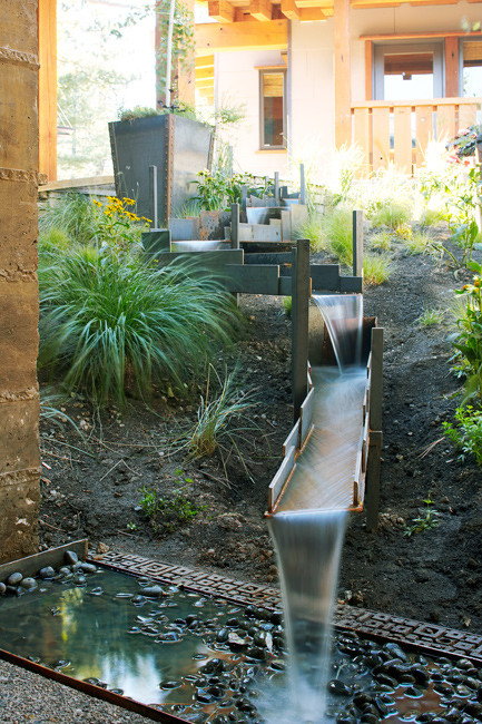 Debbie evans interior design consultant west vancouver for Garden designs with water features