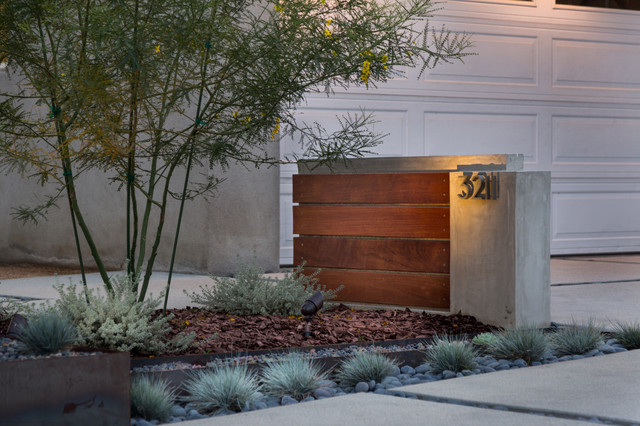 Modern Long Beach Drought Tolerant Design Modern